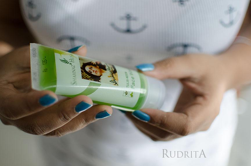 Shahnaz Husain neem tulsi face wash
